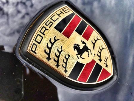 Porsche: Τσουχτερό πρόστιμο για το σκάνδαλο των κινητήρων ντίζελ | Pagenews.gr