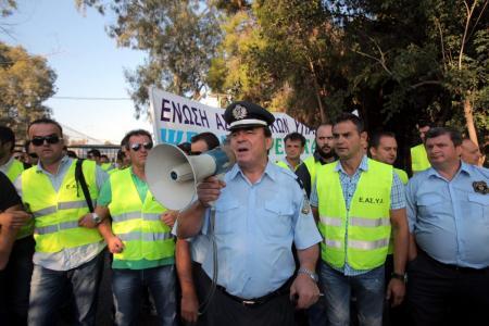 ΕΛΑΣ: «Ψαλίδι» στις άδειες των συνδικαλιστών με απόφαση Γεροβασίλη | Pagenews.gr
