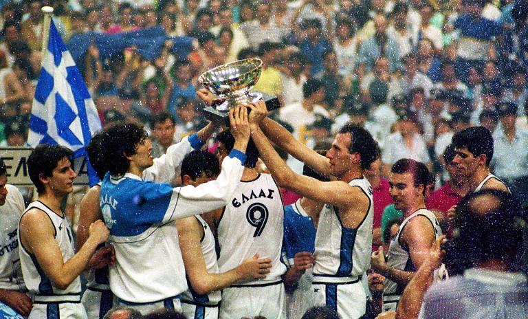 Εθνική Ελλάδος: O άνθρωπος πίσω από την μασκότ του Ευρωμπάσκετ '87 | Pagenews.gr
