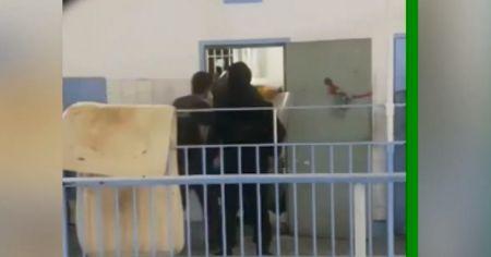 Φυλακές Κορυδαλλού: Κρατούμενοι βιντεοσκοπούν επιχείρηση της ΕΛ.ΑΣ. | Pagenews.gr
