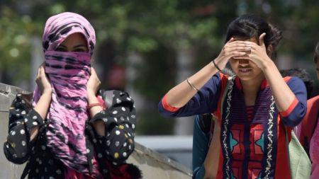 Ινδία: Τέσσερις νεκροί από τον καύσωνα   Pagenews.gr