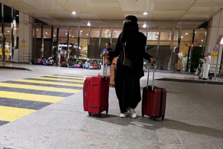 Σαουδική Αραβία: Οι γυναίκες μπορούν πλέον να ταξιδεύουν δίχως την άδεια των συζύγων τους