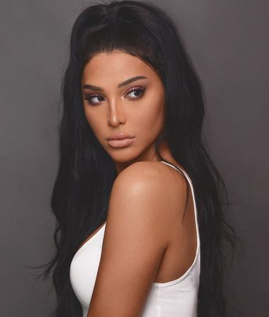 ilia-leya-papadopoulou-kardashian-10-382x450