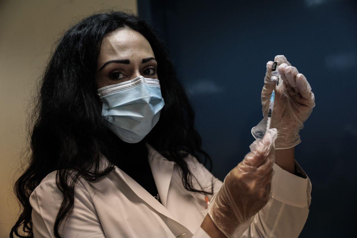 Εμβόλιο AstraZeneca: Καθησυχάζει ο ΕΜΑ