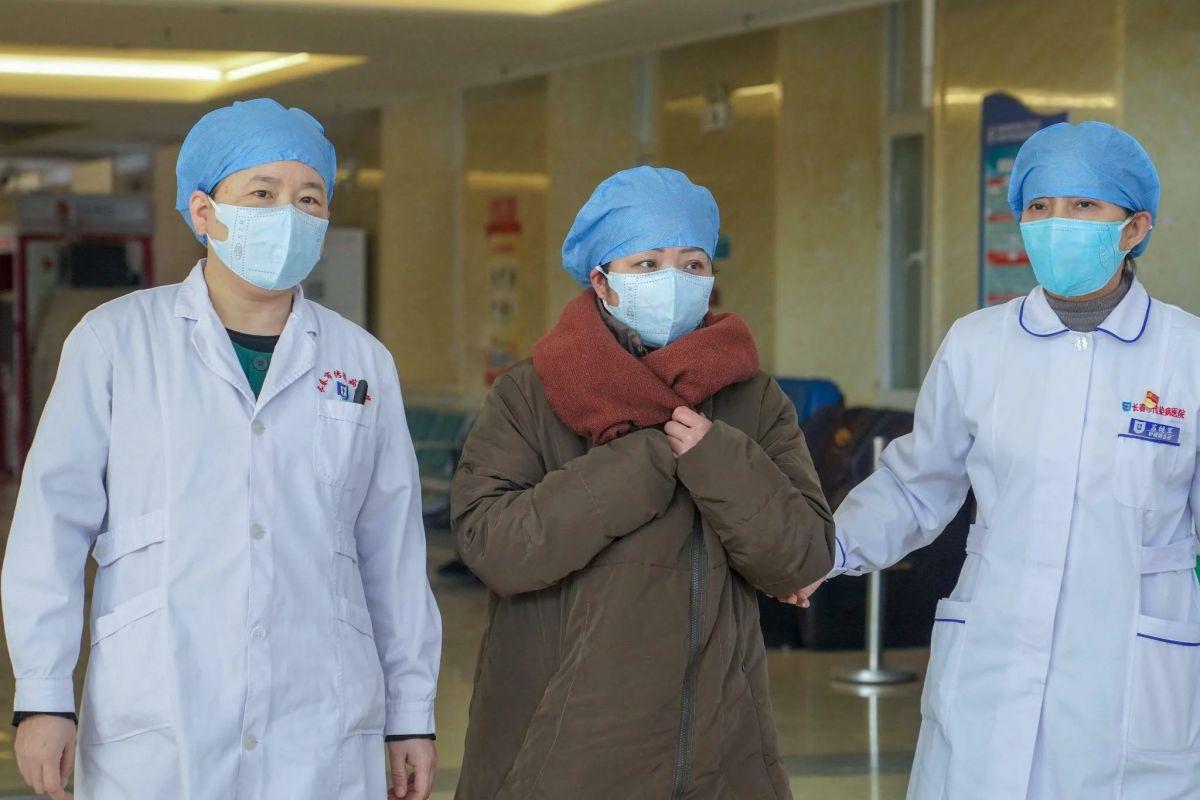 ΠΟΥ: Απίθανο να ξέφυγε από εργαστήριο στη Γουχάν ο ιός