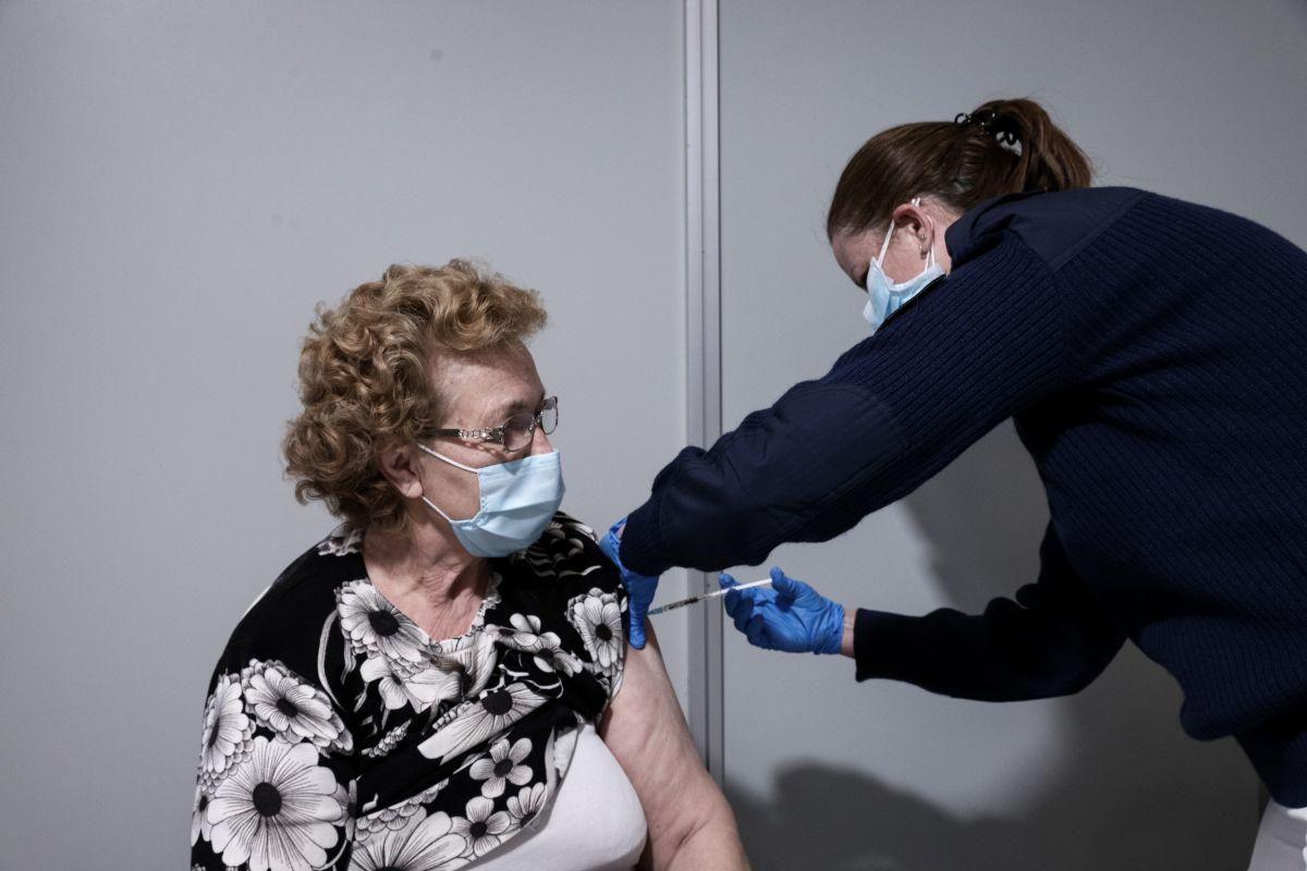 Τροπολογία για την Υγεία: Πώς θα λειτουργούν τα εμβολιαστικά κέντρα