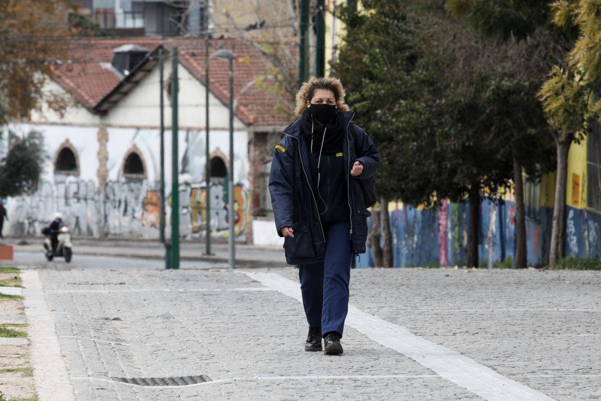 Κρούσματα κορωνοϊός: Δύσκολη η κατάσταση σε όλη τη χώρα