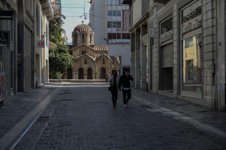 Κορωνοϊός Ελλάδα: Εικόνες από την άδεια Αθήνα