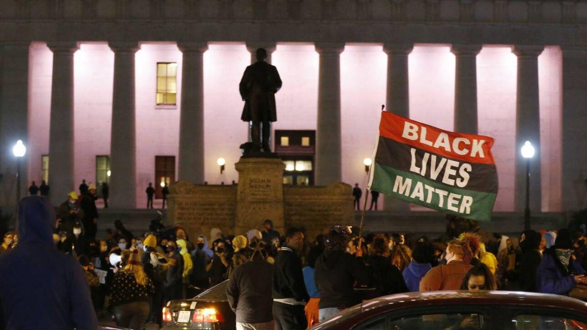 Νεκρή 16χρονη Οχάιο: Μετά τη νέα δολοφονία από αστυνομικά πυρά, ξέσπασαν διαδηλώσεις