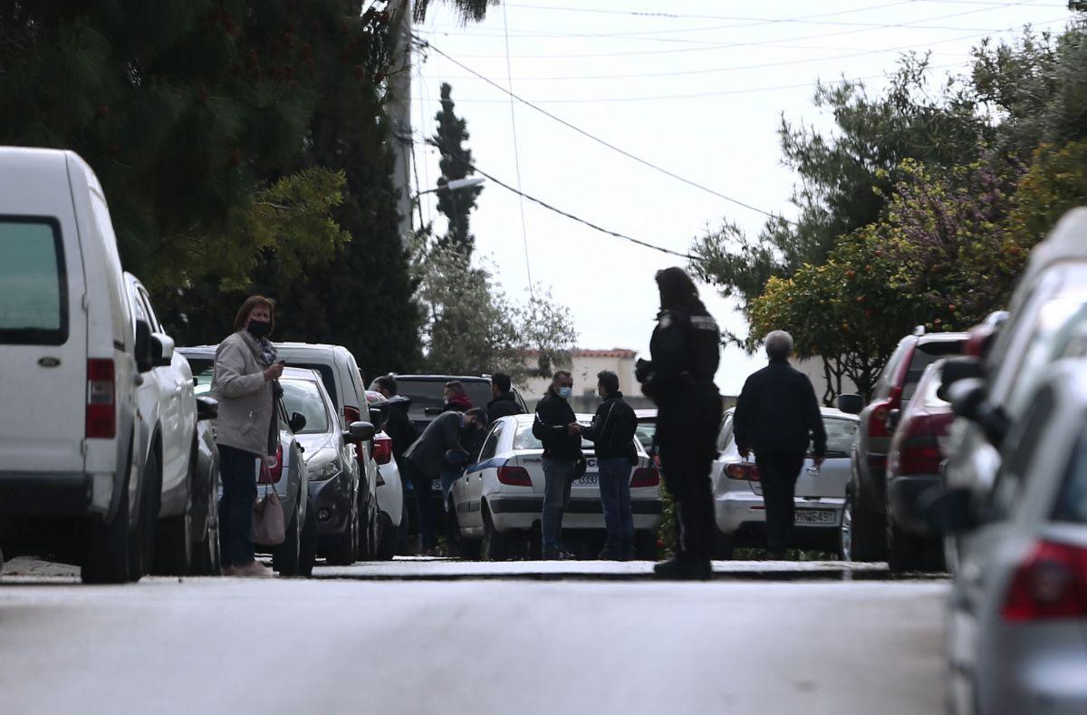 Γιώργος Καραϊβάζ: Τον δολοφόνησαν με 9αρι πιστόλι