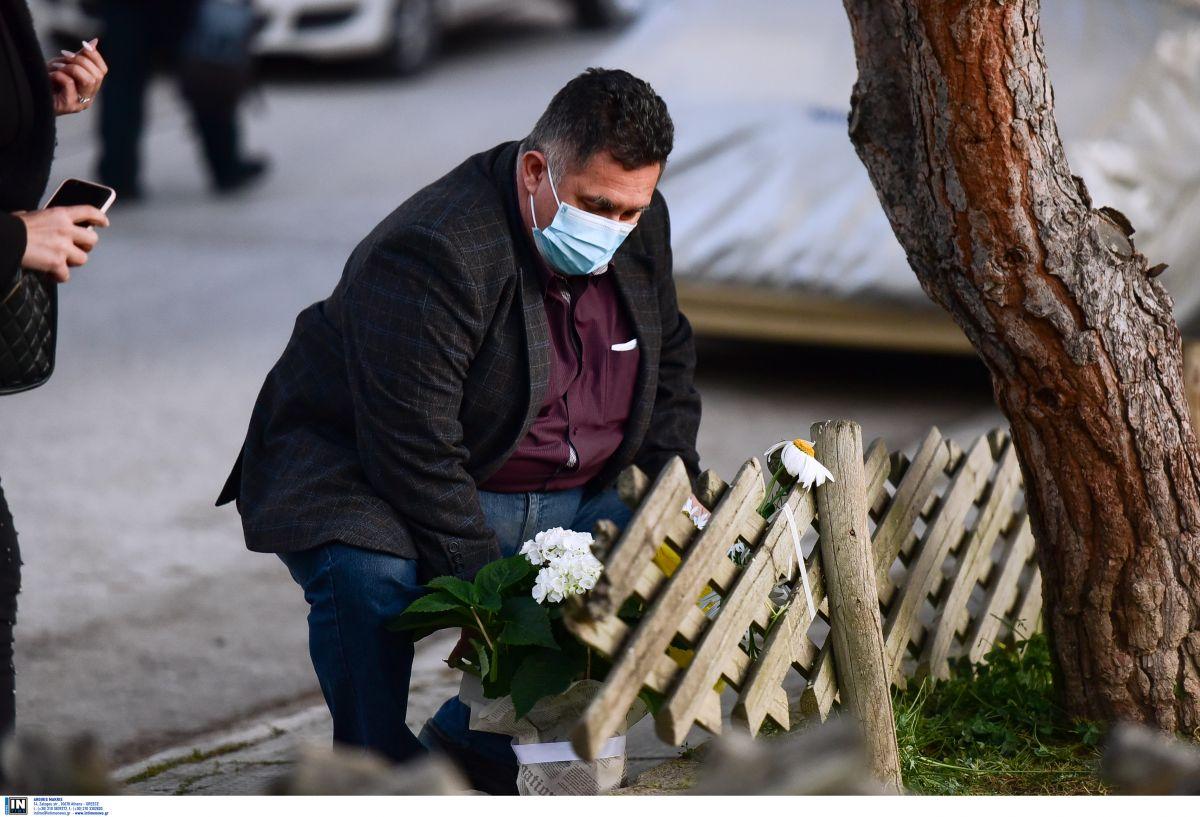 Γιώργος Καραϊβάζ: Πολλοί είναι αυτοί που αφήνουν ένα λουλούδι στο σημείο που δολοφονήθηκε