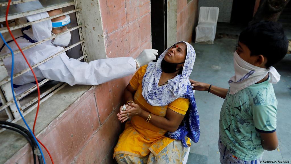 Ινδία κορωνοϊός: Αρνητικό παγκόσμιο ρεκόρ κρουσμάτων